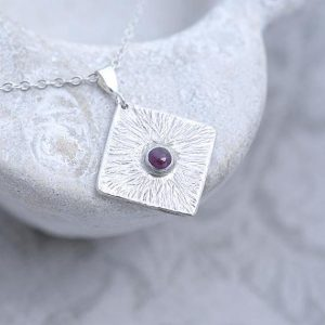 Ruby Pendant, silber pendant with natural Ruby in the centre
